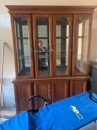 Beautiful Cabinet with dinning table and chairs Whitby, L1R 0J5