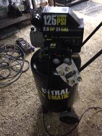 central pneumatic 21 Gallon air compressor like new Janesville, 53548