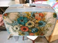 Vintage suitcase Roadshow Antiques mall Booth R287 Innisfil, L9S 3V9