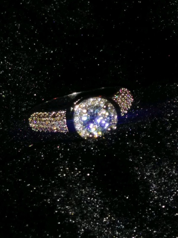 ***COCKTAIL/ENGAGEMENT RING*** 3f6a7e75-99dc-40fa-a41e-6fffb8fa8b82