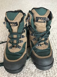 Monarch youth boots REI with Vibram soles. Very good condition. 59 km