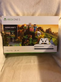 Xbox One S 1Tb w/ charging booth + 7 games