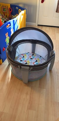 baby's black and gray bassinet Medway, 02053