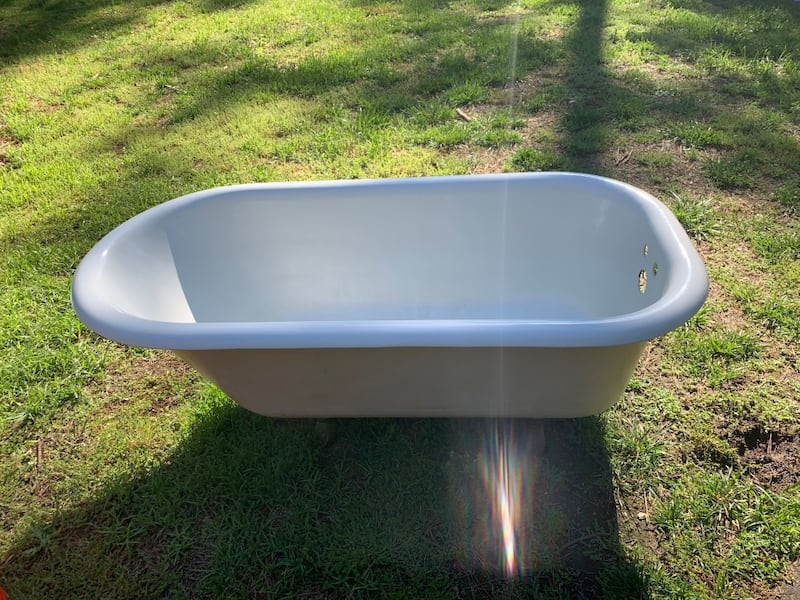 Antique Kohler clawfoot tub bbaf10c2-3967-4daf-bdf6-132441f570c8