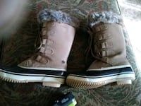 pair of brown leather combat boots 2231 mi