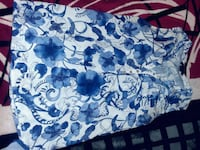 women's white and blue floral sleeveless half-buttoned blouse Arlington, 76010