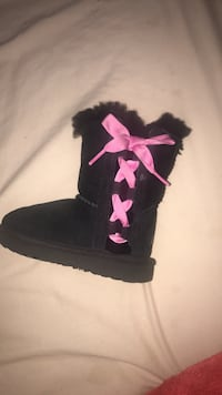 Size 7 baby UGGS for sale Stamford, 06902