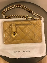 Marc Jacobs patent leather wristlet with chain Toronto, M4P 1R2