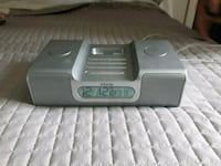 gray and white iHome dock speaker Whitchurch-Stouffville