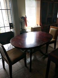 Round wood kitchen table & chairs Spring Valley, 89113