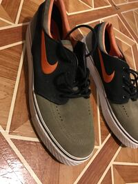 Orange/Olive Green Janoski SB (Size 10) New York, 11103