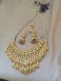 gold-colored necklace with earrings Oshawa, L1J 1N2