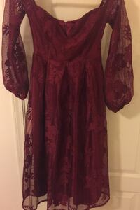 Brand new off shoulder dress fully lined size extra small Surrey, V3T 6P3