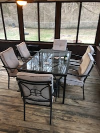 Patio set with 6 chairs and cushions