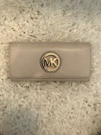 Michael Kors Wallet Coral Springs, 33076