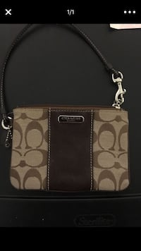 brown and black Coach wristlet Berea, 44017
