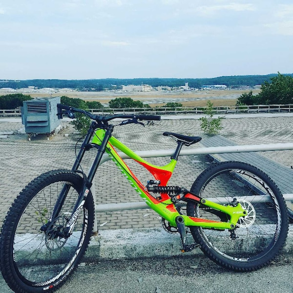 235bfdebdab Used 2016 specialized demo 8 for sale in Bedford - letgo