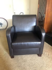 Accent chair for sale $30