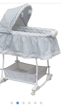 Baby's grey and whit bassinet Edmonton, T5Y 0B2