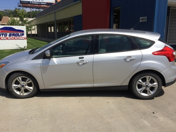 *ONE OWNER/CLEAN CARFAX* 2013 Ford Focus SE Hatchback -- GUARANTEED CREDIT APPROVAL f2cc7525-08cb-47e0-a34d-f2a160fffb8c