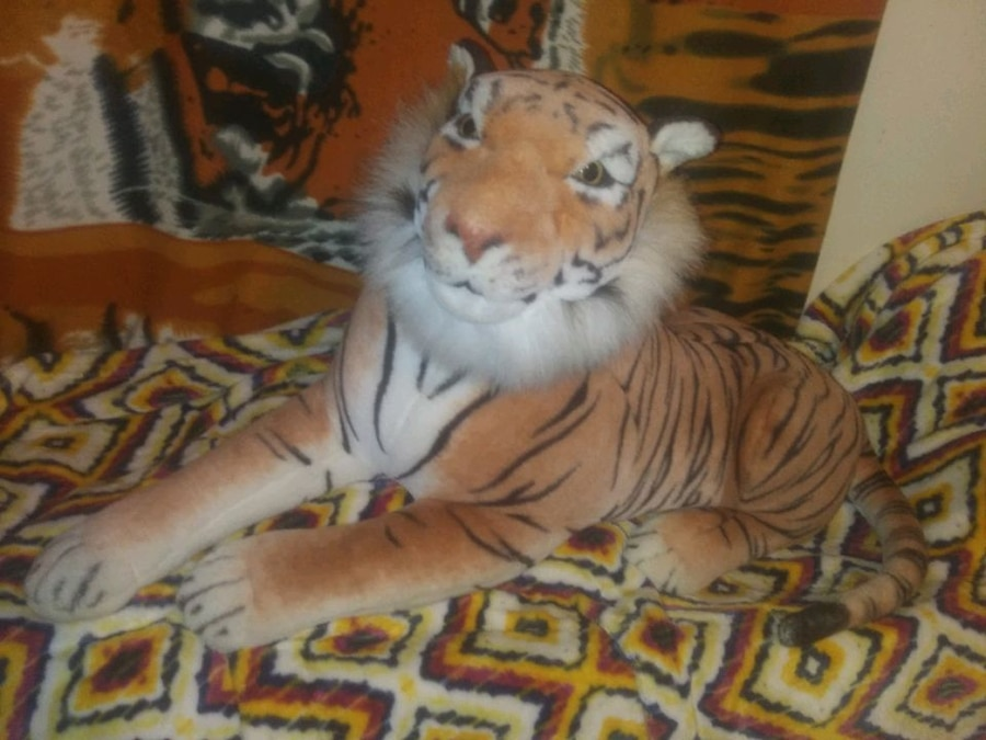Photo Best Made Toys Limited Jumbo Bengal Tiger 5ft Head to Tail.
