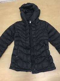 black zip-up hoodie Arlington, 22206