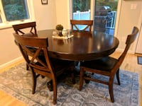 Dining table only. scratches on leg. Cash only. Smithtown, 11787