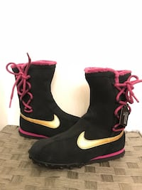 Brand new Nike Black, Gold and Pink suede tie up waterproof snow boots size 3 1/2 girls or 5 1/2 Women's  Concord, 94518
