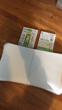 Wii Fit Balance Board + 2 Games Arlington Heights, 60004