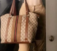 Gucci purse, medium size Coquitlam, V3B 7J1