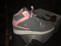 Nike pair Jordans size 7y or 8.5 womens Centreville, 20120