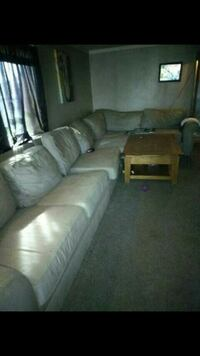 Sectional and table Saint Clair Shores, 48080