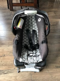 Snugride connect 30. Car seat and base Oshawa, L1J 7W6