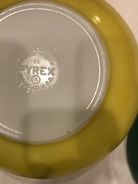 Vintage Pyrex Bowl 404 Yellow