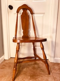 Vintage Solid Oak Chair w/ Vase Shaped Splat - Unique! Portland, 97219