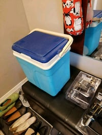 Small portable Cooler 20 L. Mississauga, L5L 1N4