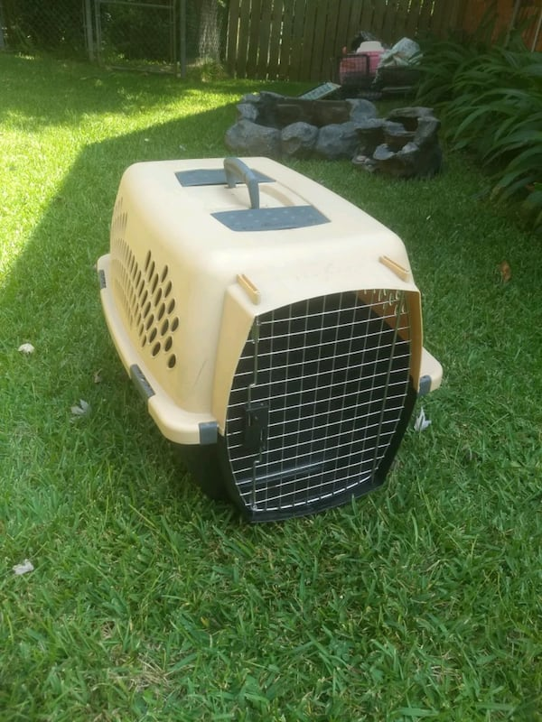 DOG KENNEL CRATE TAXI CARRIER fc9ae138-e7a7-4b47-a538-a19227b20bdc