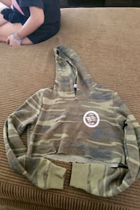 Cute Small crop top camo hoodie