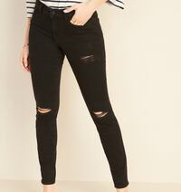 Mid Rise black ripped skinny jeans Mississauga, L5A 3C6