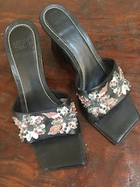 Beautiful black leather arturo chiangj floral slide sandals Lancaster, 93536