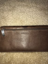 Fossil genuine leather wallet  New Castle, 19720