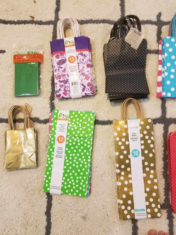 Gift bags and tissue paper *brand new** 7881a3be-d42c-4a89-ae6c-2c9ef57547bd
