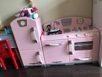 pink and white kitchen play set 米西索加, L5B 2C9
