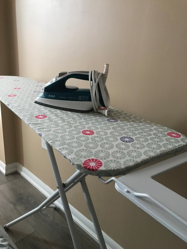 T-Fal Ultraglide 4476 iron and ironing board
