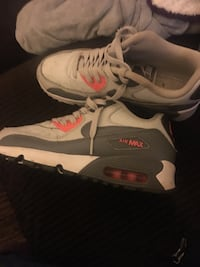 pair of gray-and-white Nike Airmax Norman, 73026