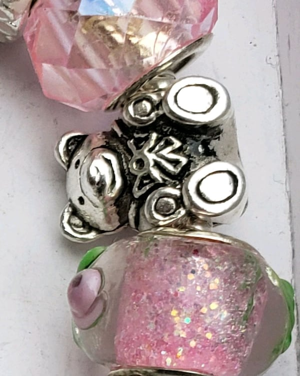 Baby girl mom to be charm bracelet 1for $15 or 2 for $25 4ddddc7c-f9fc-4cb0-8223-1099d24211ea