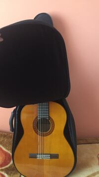 Yamaha C70 (guitar, cover and foot stool) Mississauga, L5B 1M8