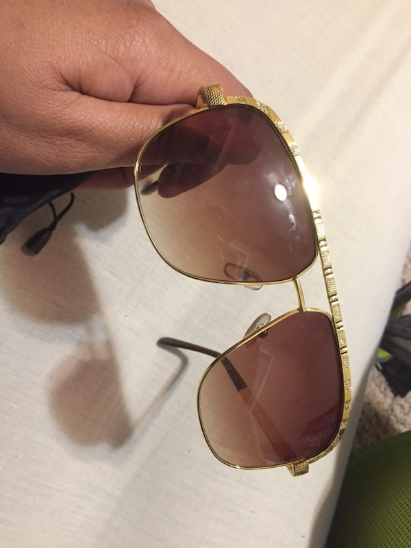 b6c4f8e313 Used Louis Vuitton shades for sale in Chicago - letgo