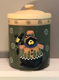 Brand new Cute ceramic Christmas cookie jar with lid. Edmonton, T6L 6P5