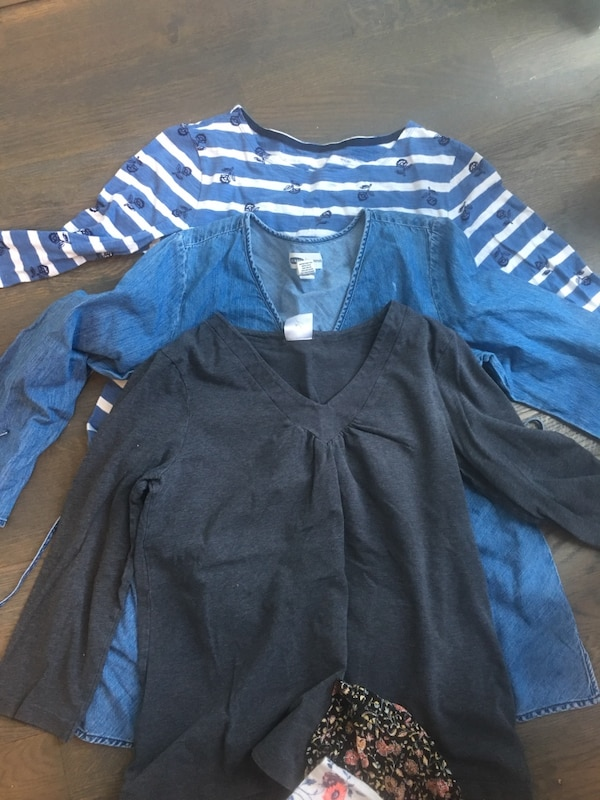 Maternity clothes size small including Citizens of Humanity jeans b01c777f-312d-4668-80e4-307b60c7ca7e